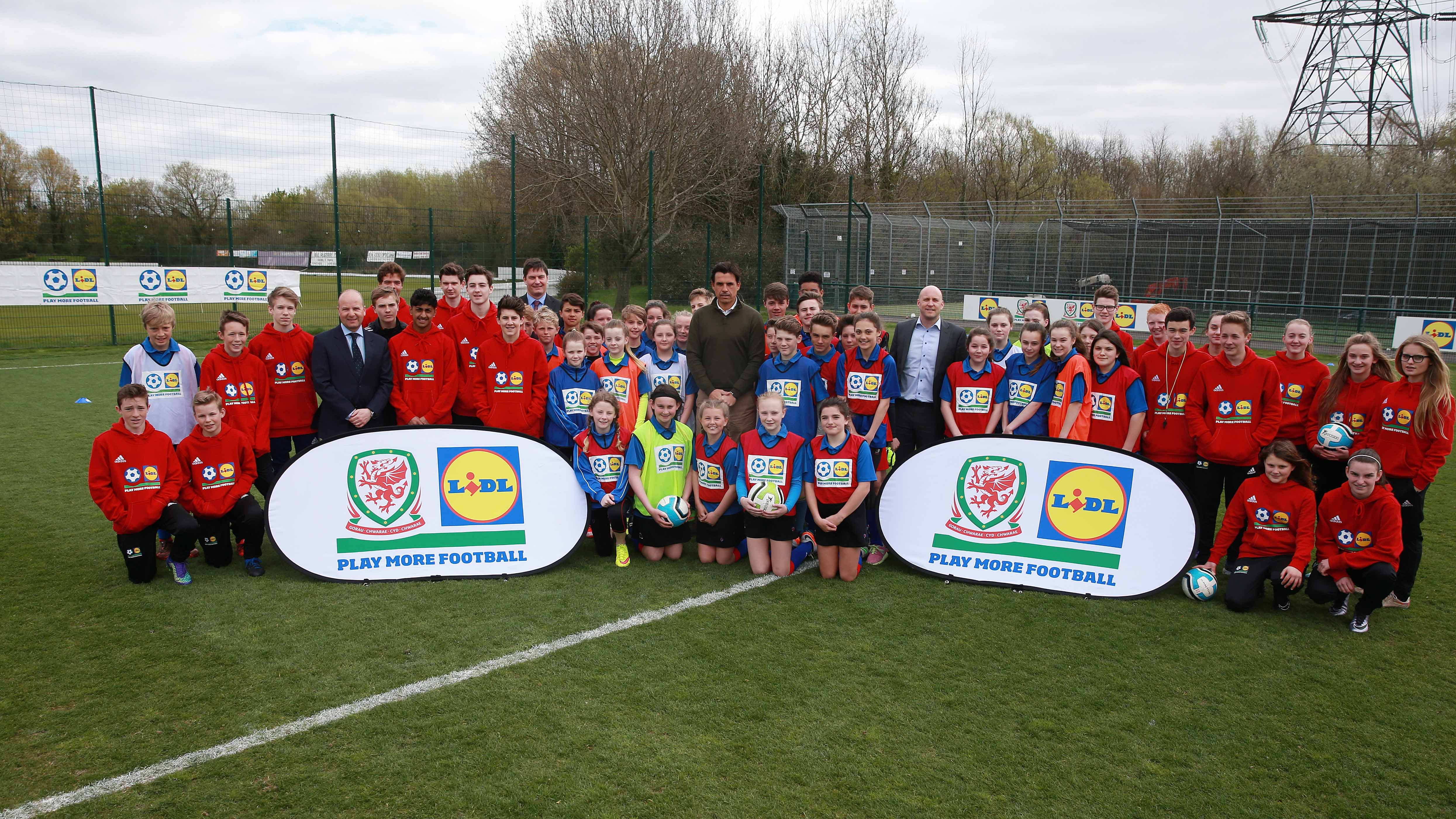 CHRIS COLEMAN JOINS LIDL AND FA OF WALES  TO LAUNCH GROUND-BREAKING YOUTH FOOTBALL INITIATIVE