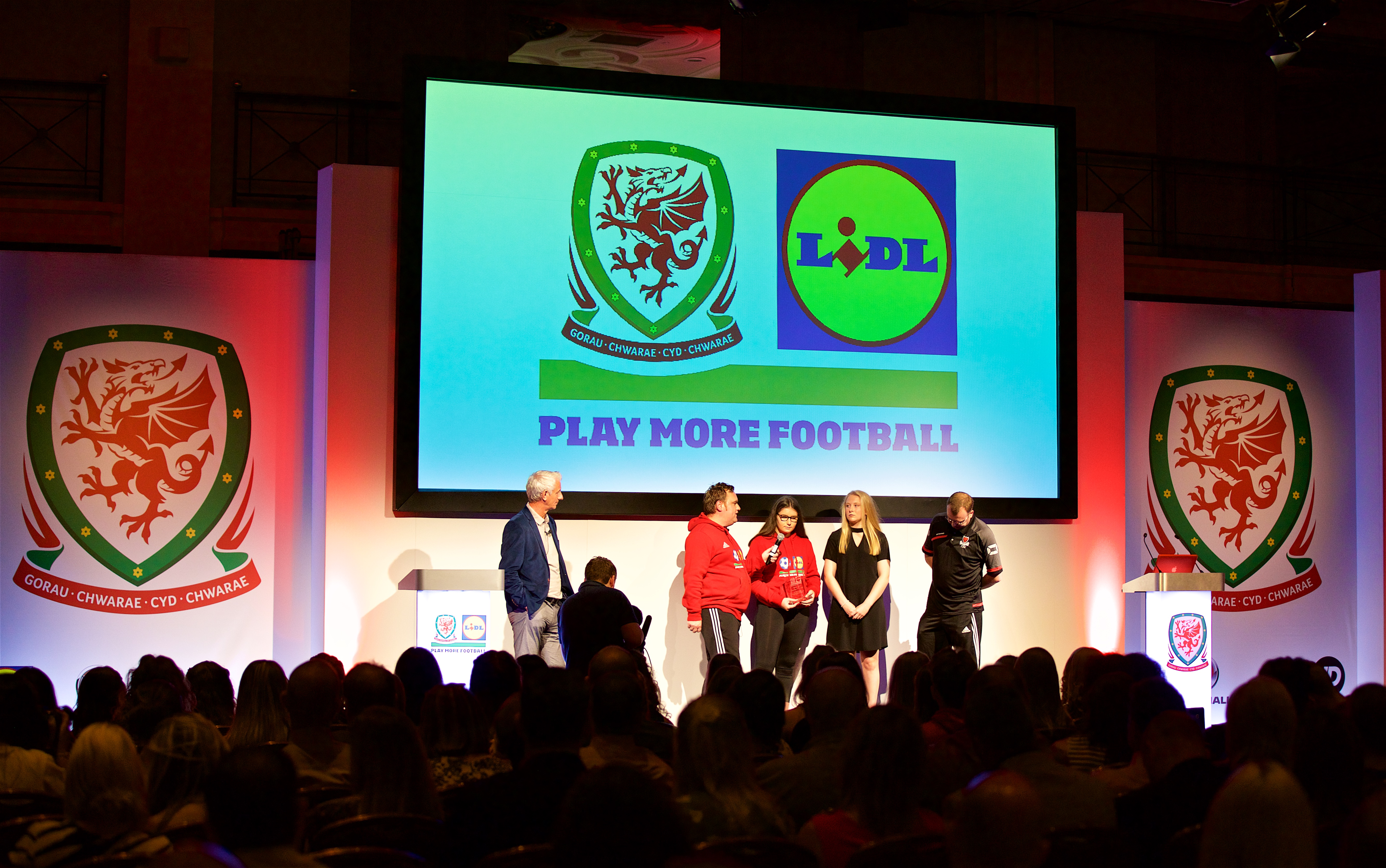 Ian Rush presents Lidl Play More Football awards to deserved winners