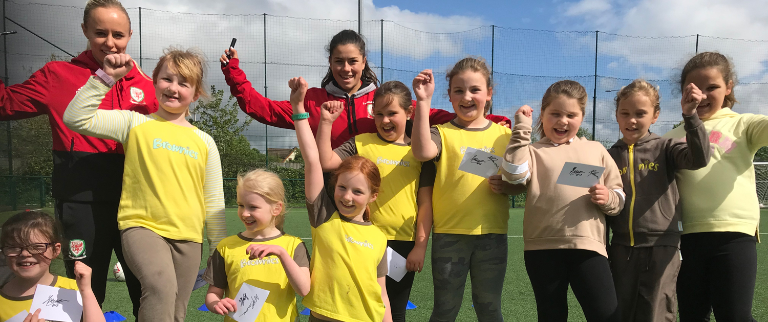 Wales stars inspire 80 Brownies to fall in love with football