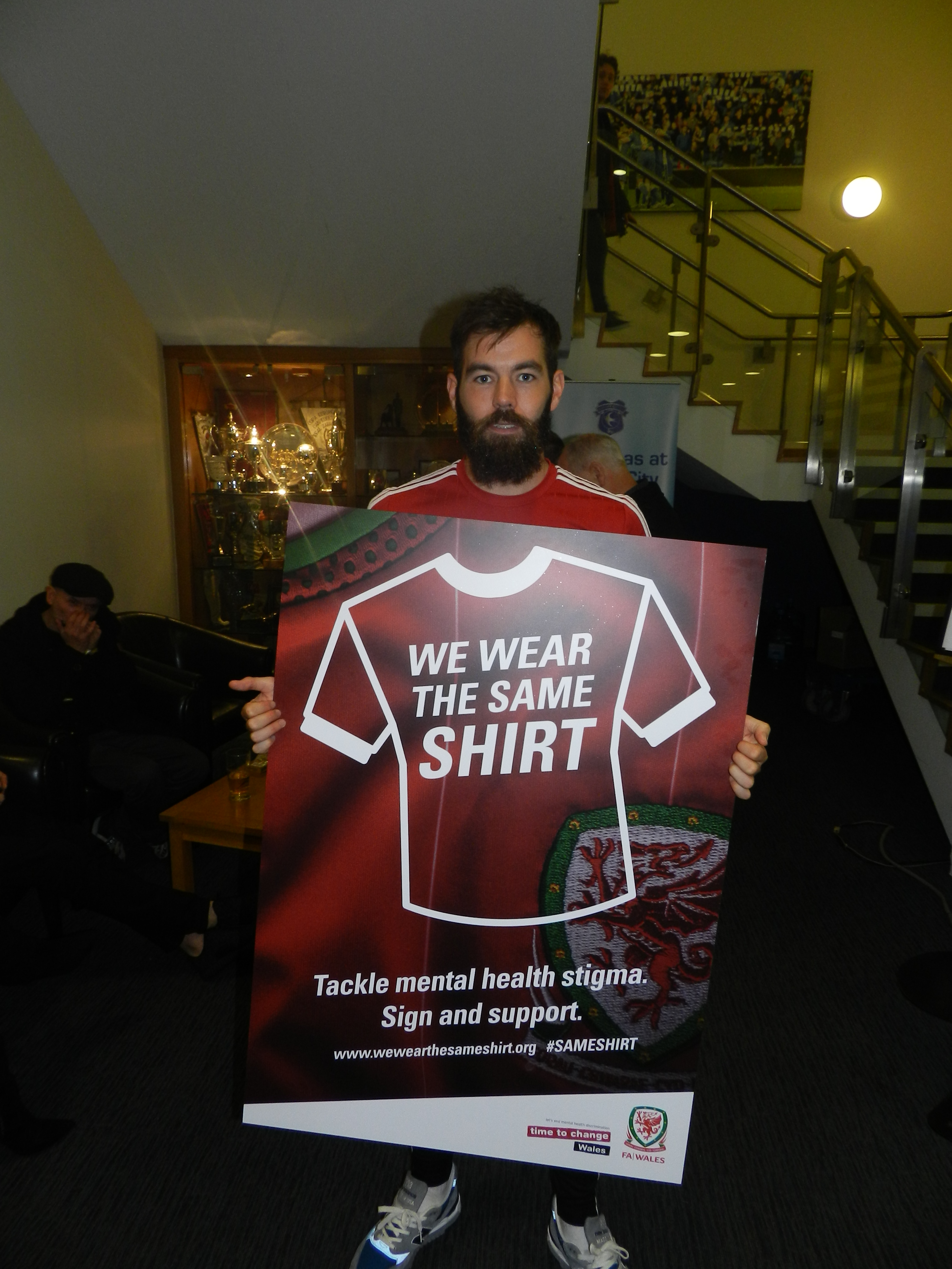 WALES TEAM WEARS THE SAME SHIRT IN TACKLING MENTAL HEALTH STIGMA