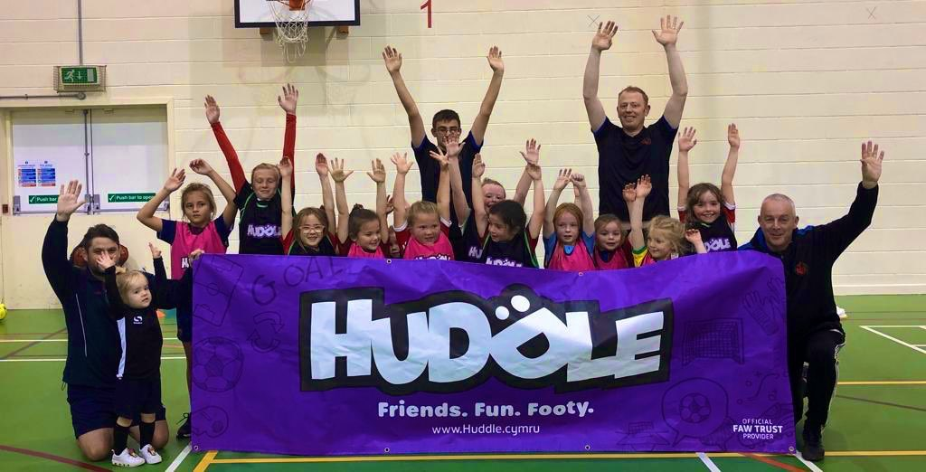 How Huddle helped young girl inspire her brother to play football